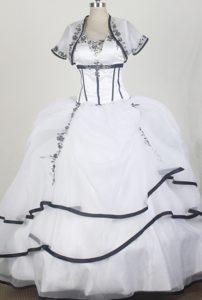 2014 Elegant Sweetheart Sweet Sixteen Qunceanera Dress on Wholesale Price