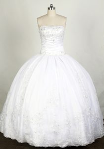 Elegant Strapless White Dress for Quinceanera with Beading to Floor-length