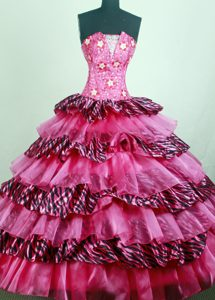 Perfect Hot pink Quinceanera Dresses with Beading and Appliques in Taffeta