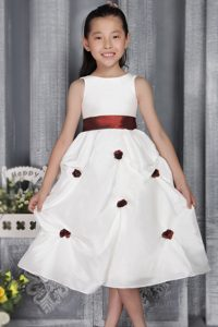 Pretty Tea-length White A-line Flower Girl Dress with Appliques