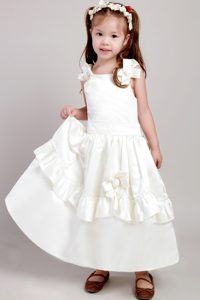 Sweet White A-line Straps Ankle-length Flower Girl Dress with Bow