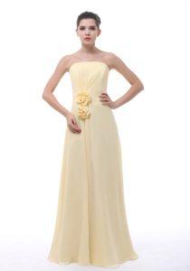 Light Yellow Strapless Long Chiffon Party Dama Dress with Flowers