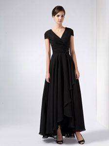 V-neck Ankle-length Ruched Black Chiffon Beaded Formal Dress for Dama