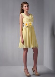 Light Yellow Knee-length Ruched Drapped Chiffon Dama Dress with Flowers