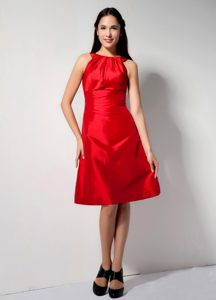 Best Bateau Knee-length Hot Red Ruched Informal Dresses for Dama