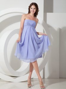 Strapless Knee-length Lilac Ruched Chiffon Bridesmaid Dama Dress for Less
