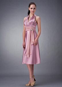 Chic Halter Knee-length Rose Pink Ruched Dama Dress with Appliques
