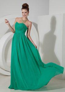Pretty Strapless Brush Train Green Ruched Chiffon Formal Dresses for Dama