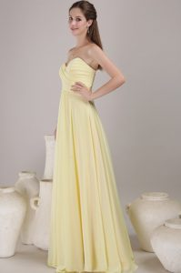 Light Yellow Sweetheart Long Ruched Chiffon Dama Dress for Quince