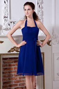 Royal Blue Halter Knee-length Chiffon Bridesmaid Dama Dress with Bowknot