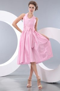 Halter Knee-length Pink Ruched Dama Dress with Beading and Bow