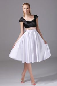 Straps Knee-length Black and White Dama Quinceanera Dress on Sale