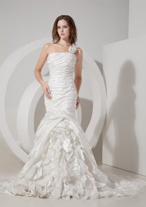 One Shoulder Mermaid Ruched Bridal Dress with Layered Ruffles and Flower