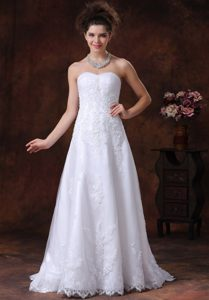 Cheap Ruched Sweetheart Brush Train Garden Wedding Dress with Appliques