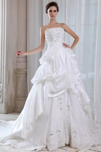Strapless Court Train Wedding Dresses with Appliques and Pick-ups