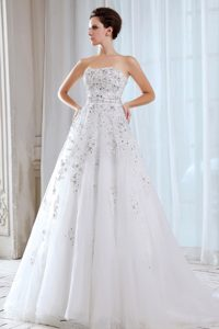 Strapless Court Train Organza Wedding Dresses with Appliques and Beading