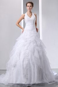 Elegant Halter Bridal Dress in and Organza with Appliques for Cheap