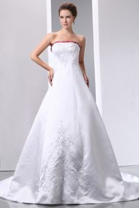 Luxurious Strapless Designer Bridal Dresses with Embroidery for Less