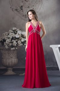 V-neck Beaded Red Chiffon Nice Evening Gown Dresses with Criss Cross