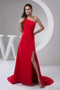 Red Brush Train Red Plus Size Evening Dresses with One Shoulder and High Slit