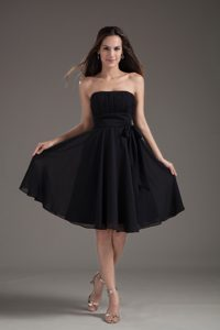 Simple Empire Black Strapless Knee-length Affordable Evening Dresses