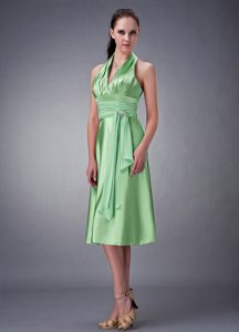 Beauty Spring Green Maternity Evening Dress with Halter-top Neckline in