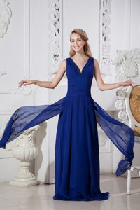 Plunging Chiffon Plus Size Evening Dresses with Ruches in Dark Blue for Spring