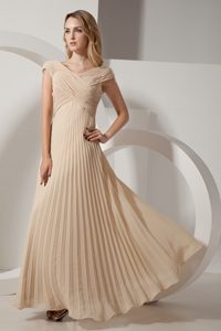Inexpensive V-neck Ruching Plus Size Evening Dress in Champagne with Pleats