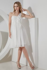 Chiffon Knee-length Ruffled Prom Evening Dresses with One Shoulder in White