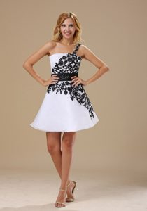 2014 One Shoulder Mini-length Black and White A-line Prom Dress with Appliques