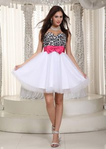 White A-line Sweetheart Knee-length Leopard and Tulle Prom Dresses with Bow