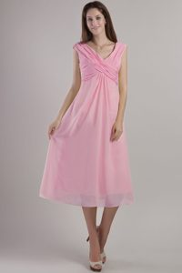 Dressy Chiffon V-neck Ruching Dresses for Prom Court in Pink with Tea-length