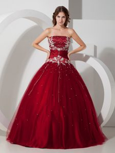 Wine Red Strapless Satin and Tulle Appliqued and Beaded Quinceanera Dresses