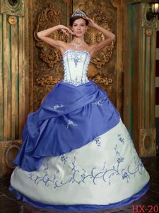 Blue and White Strapless Satin Quinceanera Dress with Embroidery for Girls