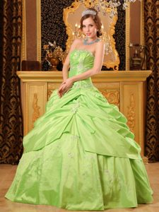 2013 Popular Green Strapless Beaded Sweet Sixteen Quinceanera Dress