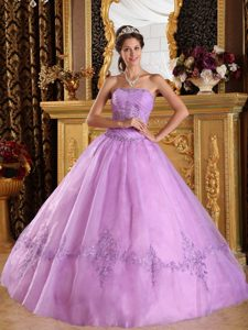 Lavender Strapless Tulle Quinceanera Dress with Appliques on Wholesale Price