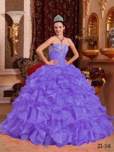 Modern Purple Strapless Organza Quinceanera Dress with Beading and Appliques