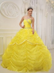 Pretty Yellow Sweetheart Organza Quinceanera Dress with Beading and Ruching
