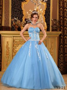 Popular Sweetheart Tulle Blue Quinceanera Dress with Appliques on Promotion