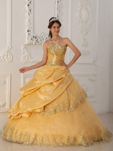 Sweet Gold A-line Sweetheart and Tulle Dress for Quince with Beading