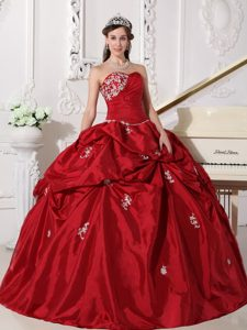 Attractive Sweetheart Long Quinceanera Dresses in Wine Red