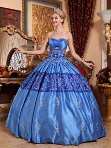 Blue Long Lace-up 2013 Luxurious Long Dress for Quinceaneras