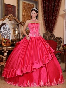 Attractive Coral Red Satin and Embroidered Long Dresses for Quince