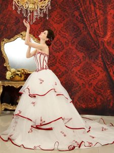 Memorable White and Red Chapel Train Quinceanera Gowns with Appliques