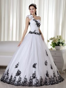 One Shoulder with Rosettes White and Black A-line Girls Quinceanera Dress
