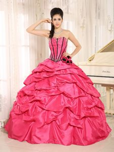 Pick-upped Ball Gown Beaded Hot Pink Quinceanera Dress for 15th Birthday
