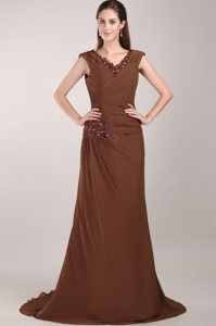 V-neck Brush Train Chiffon Mother of the Bride Dresses in Brown