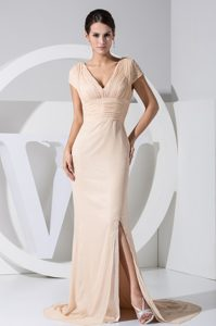 V-neck Cap Sleeves Champagne Mother of the Bride Dresses with Keyhole