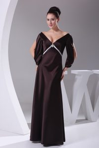 Modest Dark Purple V-neck Mother of the Bride Dresses with Long Sleeves