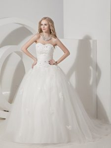 Beautiful A-line Sweetheart Court Train Tulle Wedding Dress with Appliques
